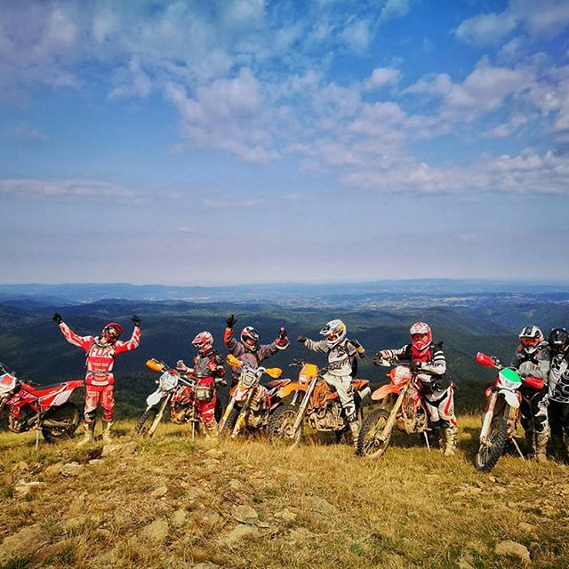 nomud_adventures_group_enduro_trip